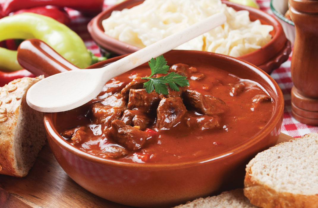 Food by four - the sous vide company - goulash in jachtsaus